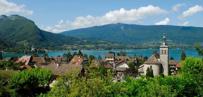Talloires,-Lake-Annecy,-France.jpg